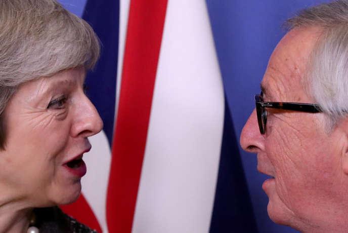 Theresa May et Jean-Claude Juncker à Bruxelles, le 11 décembre 2018.