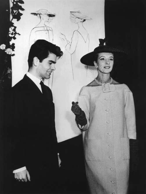 1953. A l'époque, Karl Lagerfeld est styliste en Allemagne.