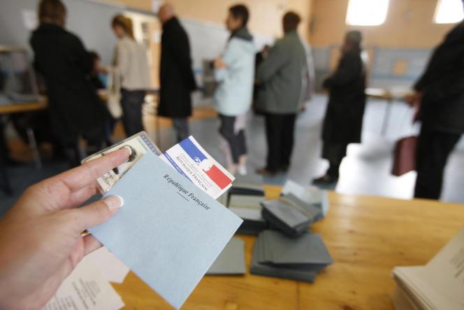 De nombreux citoyens se détournent des élections, où ils ne se sentent pas représentés.