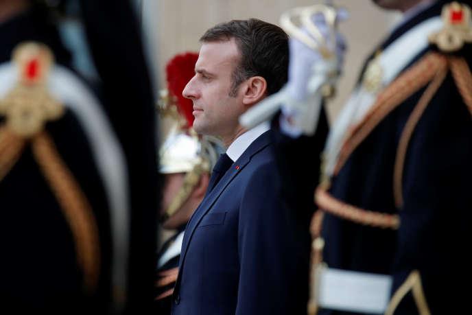Emmanuel Macron a, par ailleurs, annoncé qu'il se rendrait mardi à 18 h 15 au Mémorial de la Shoah, dans le 4e arrondissement de Paris.