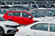 Des voitures allemandes Volkswagen sur un parking à Chusta Vista, en Californie, le 27 juin 2018.