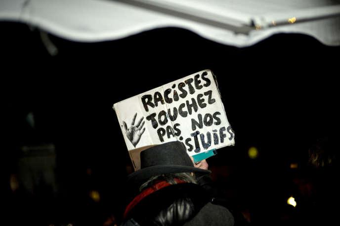 Le 18 février, place de la Répuiblique, à Paris, lors d'une manifestation contre l'antisémitisme.