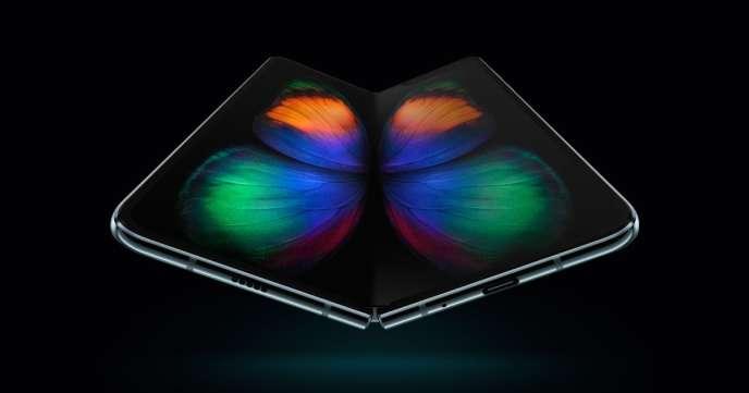 Le tout nouveau Samsung Galaxy Fold, presque totalement déplié.