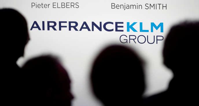 Les journalistes attendent la conférence d'Air France-KLM, annonçant les résultats annuels de 2018, le 20 février.
