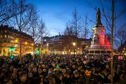 Des milliers de personnes s'étaient rassemblés pour manifester contre l'antisémitisme, place de la République, à Paris, le 19 février.