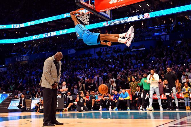 Jeune recrue de 20 ans de l'équipe de basket d'Oklahoma City, Hamidou Diallo a réussi un dunk spectaculaire, le 16 février 2019, lors du All-Star Game 2019 à Charlotte, en Caroline du Nord.