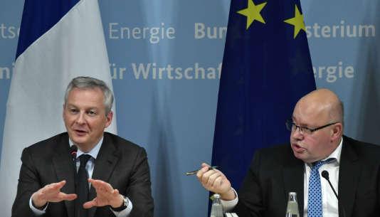 Le ministre allemand de l'économie, Peter Altmaier (à droite) et son homologue français, Bruno Le Maire, donnent une conférence de presse, le 19 février 2019, à Berlin, à la suite de discussions sur la politique industrielle de l'Union européenne.