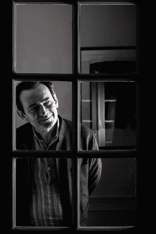 Benoît Peeters est écrivain et scénariste de bande dessinée. Il a notamment écrit la série «Les Cités obscures», avec François Schuiten.