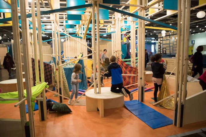 Une des cabanes de l'exposition à la Cité des sciences et de l'industrie, à Paris.