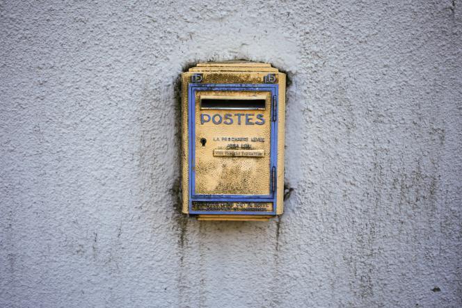 Une boîte à lettres, à Dieppe (Seine-Maritime), le 11 octobre 2018.