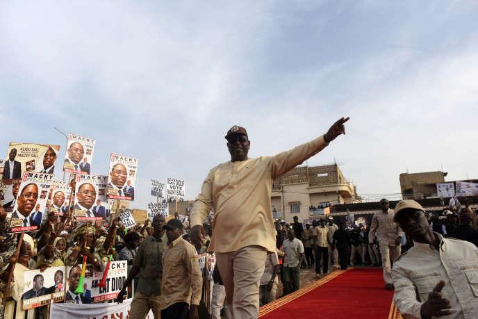 Le président sortant Macky Sall en campagne pour le scrutin du 24 février, à Guédiawaye, dans la banlieue de Dakar, le 20 février 2019.