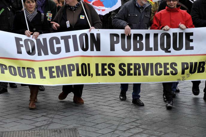 Manifestation des agents de la fonction publique pour l'emploi et les salaires, à Nantes, en 2013.