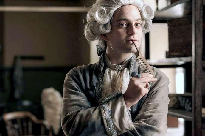 Max Hegewald incarne le perruquier Léonard Minet dans «Un jour à Paris en 1775».