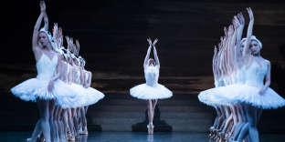 Les femmes-oiseaux du« Lac des cygnes» à l'Opéra de Paris en novembre 2018.