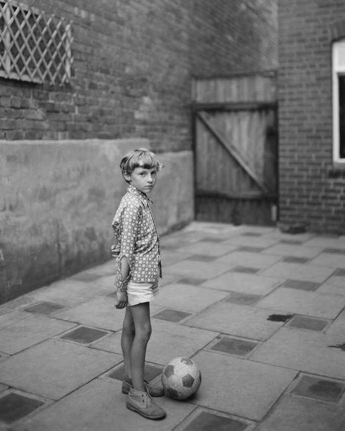 « Boy with Ball » (1974), de John Myers.