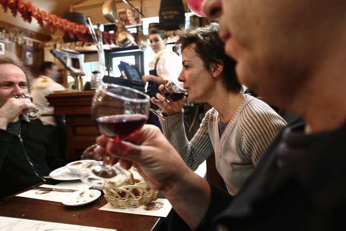 Dans les restaurants, de 60 % à 70 % de l'addition se fait sur le solide, le reste sur le liquide.