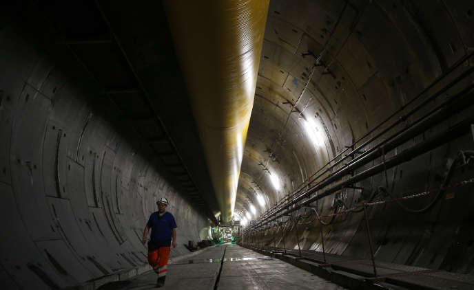 Dans un tunnel devant servir à la liaison transalpineLyon-Turin, le 12 février à Saint-Martin-La-Porte (Savoie).