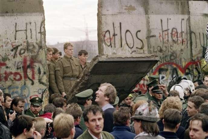 L'ouverture du mur du Berlin, le 11 novembre 1989.