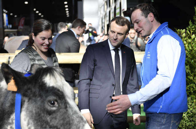 Emmanuel Macron au Salon de l'agriculture, à Paris, samedi 23 janvier.