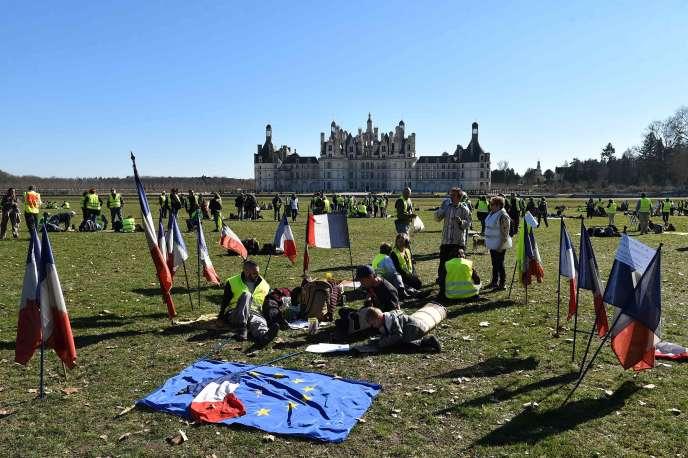 Plus d'un millier de« gilets jaunes» se sont rassemblés devant le château de Chambord, samedi 23 février.