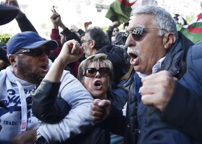 Manifestation à Alger d'opposants à un 5e mandat de Bouteflika dimanche 24 février.