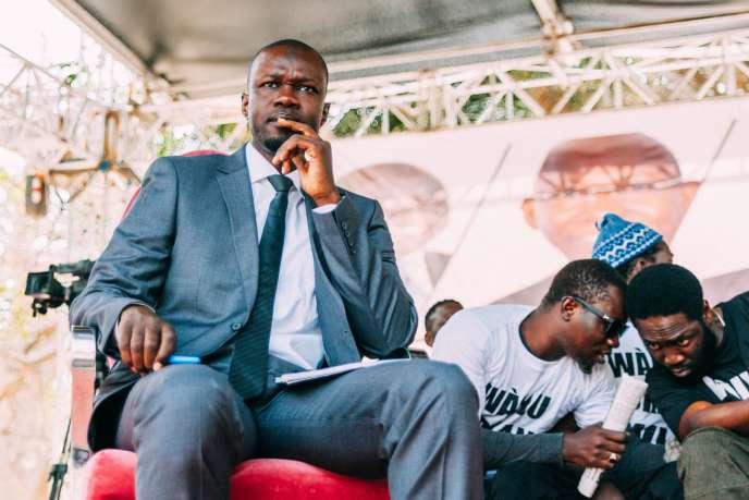 Le candidat à l'élection présidentielle OusmaneSonko, lors d'un débat organisé par le rassemblement«Y'ena marre», à Dakar, le 21 février.
