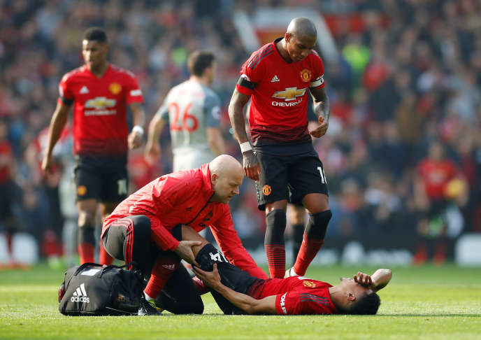 Entré en jeu en remplacement d'un coéquipier blessé, Jesse Lingard s'est blessé à son tour lors du « Derby d'Angleterre » face à Liverpool.