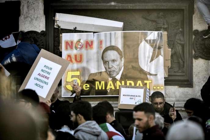 Manifestation contre la candidature d'Abdelaziz Bouteflika à la présidentielle, à Alger, le 24 février 2019.