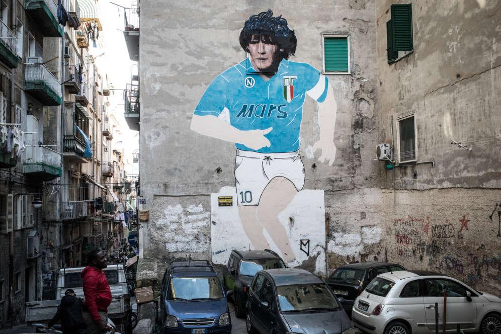 Spagnoli est connu pour ce portrait de Diego Maradona. Titulaire d'un visa humanitaire de deux ans, Pascal n'avait jamais eu le temps d'y venir, trop occupé à trouver un emploi déclaré pour assurer les besoins de sa famille et renouveler son titre de séjour.
