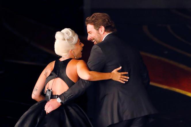Lady Gaga, très complice avec le réalisateur et acteur qui lui donne la réplique dans « A Star is born », Bradley Cooper.