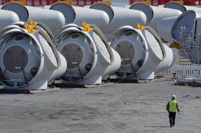 Une usine de fabrication d'éoliennes de Siemens, à Esbjerg (Danemark), en juin 2012.