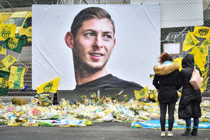 Le portrait de l'attaquant argentin Emiliano Sala, au stade Beauvoir de Nantes, le 8février 2019.