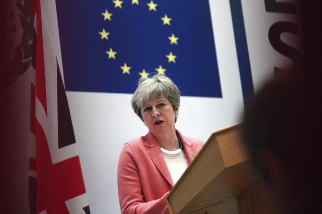 Theresa May lors du sommet UE-Ligue arabe, à Charm El-Cheik, le 25 février.