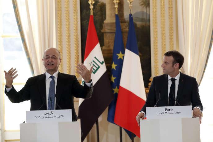 Barham Saleh, le président irakien, avec Emmanuel Macron, à l'Elysée, le 25 février.