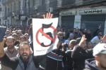 Des manifestants à Alger, dimanche 24 février.