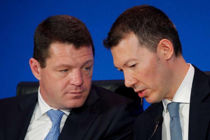 PieterElbers, PDG de KLM, et Benjamin Smith, directeur général d'AirFrance-KLM, lors d'une conférence de presse pour annoncer lesrésultatsde leur groupe, à Paris, le 20février.