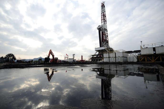 Un puits d'évaluation de gaz, dans la province duSichuan, en 2011.