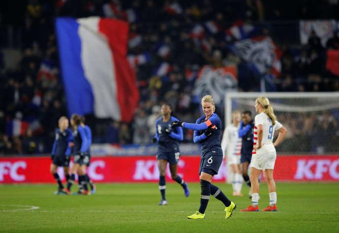 Lamilieu de terrain et capitaine de l'équipe deFranceféminine, Amandine Henry, lors deFrance-Etats-Unis, au Havre, le 19 janvier.
