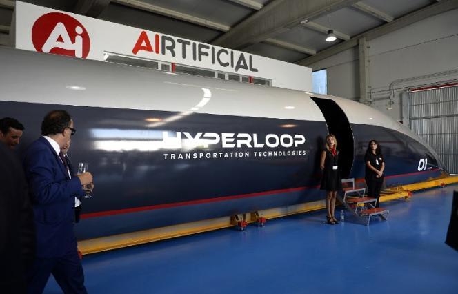 La navette de l'Hyperloop TT, présentée àEl Puerto de Santa María, en Espagne, en octobre 2018.