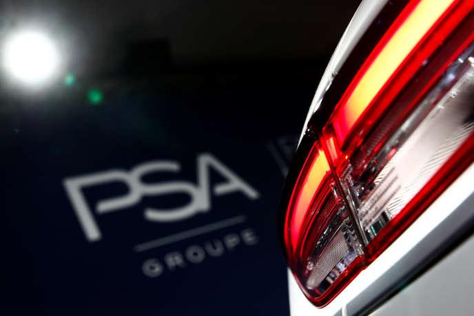 Au sein du groupe PSA, plus de 3 700 salariés ont ainsi bénéficié, depuis 2012, du programme Top Compétences, qui accompagne les salariés dans leurs projets de reconversion « forte ».