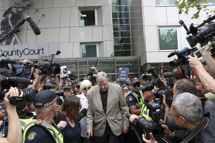 Le cardinal George Pell à son arrivée au tribunal de Melbourne, mardi 26février.