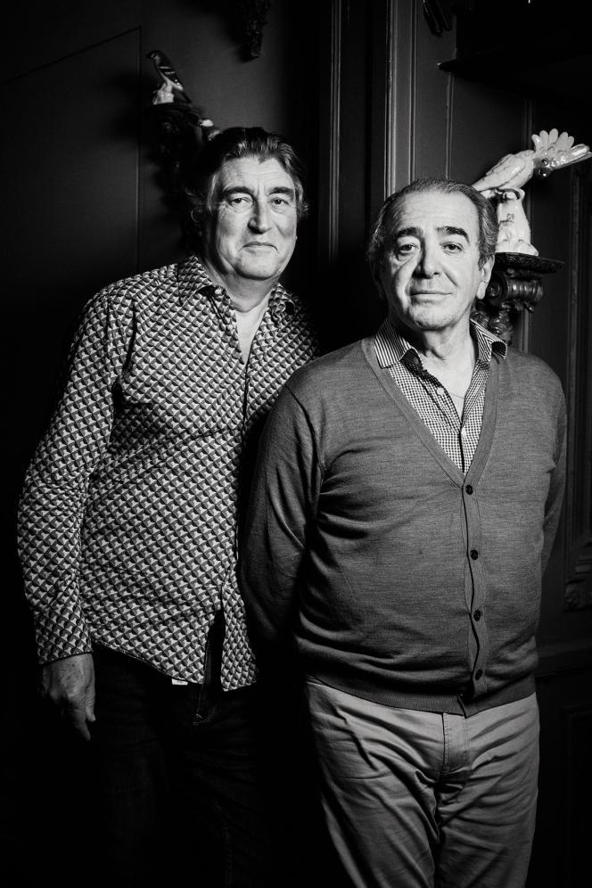 Didier Ludot (à gauche) est un créateur spécialiste du vintage... et fin gourmet passionné par les escargots farcis que lui prépare son compagnon, Félix Farrington (à droite).