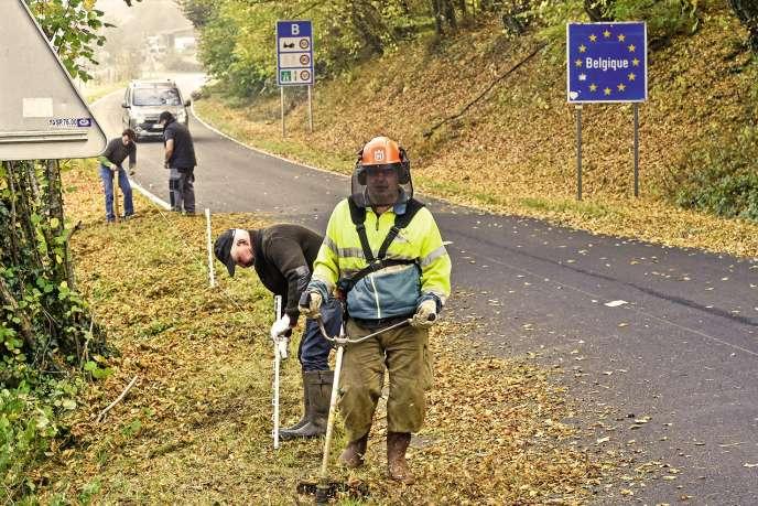 Après la découverte de deux sangliers contaminés par la peste porcine en Belgique, le gouvernement français a décidé de délimiter une zone dite blanche près de la frontière.