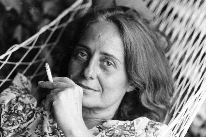 L'écrivaine italienne Goliarda Sapienza, en 1964, à Rome.
