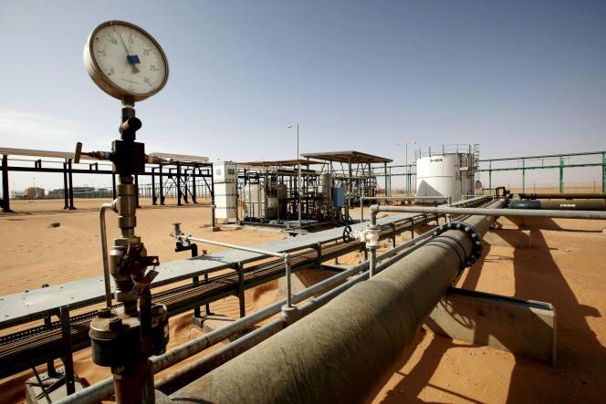 Le champ pétrolifère d'El-Sharara, dans le sud-ouest de la Libye, en 2014.