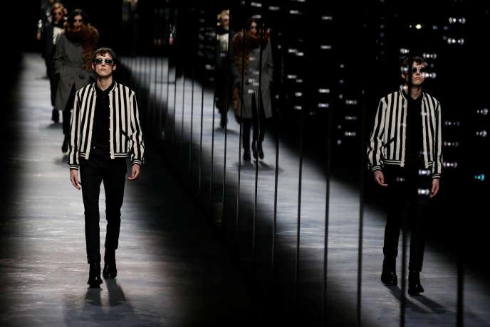 Présentation des créations Automne/Hiver 2019-2020 d'Anthony Vaccarello pour Saint Laurent lors de la Paris Fashion Week, le 26 février 2019.