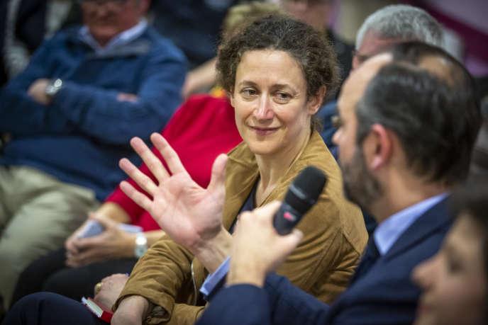 Emmanuelle Wargon et Edouard Philippe, lors d'un grand débat à Lenax (Allier), le 31 janvier.