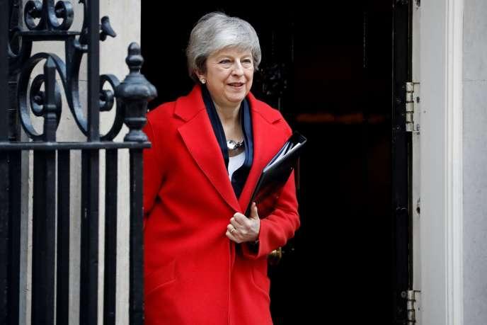 La première ministre britannique Theresa May à Downing Street (Londres), le 26février.
