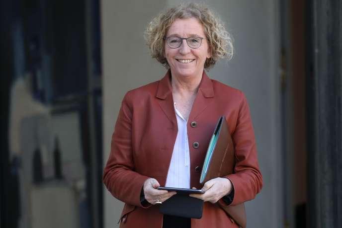 « L'idée affichée qui sous-tend cette volonté législative semble claire : il s'agit de stimuler la compétitivité des entreprises (politiques de l'offre) tout en sécurisant les relations professionnelles (politiques sociales) » (Muriel Pénicaud, ministre du travail, le 27 février à Paris).