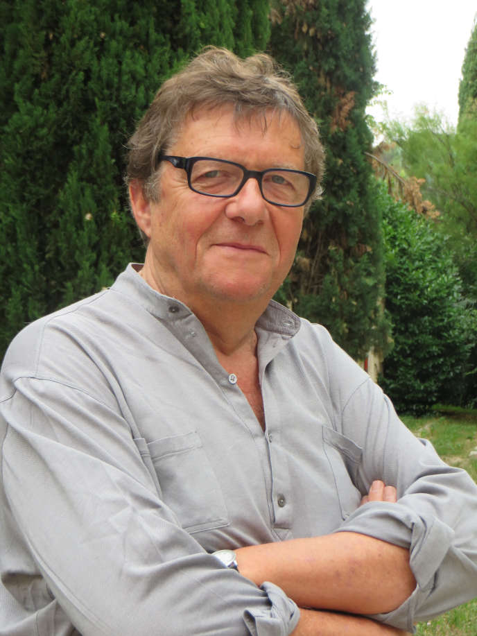Jean Viard est sociologue au Centre de recherches politiques de Sciences Po (Cevipof). La décentralisation et l'administration territoriale, les identités territoriales ainsi que les loisirs et le travail figurent parmi ses thèmes de recherche.